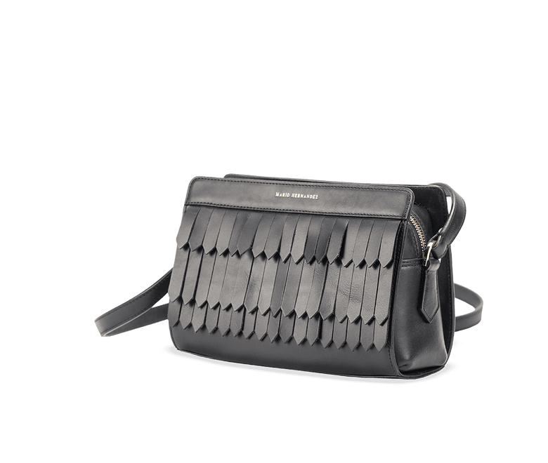 Shoulder-guacamaya-negro-botero