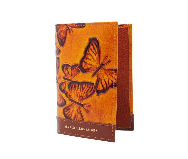 viaje-porta-pasaporte-sencillo-creme-brulee-mariposas